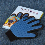 Перчатка для вычесывания шерсти домашних животных TrueTouch, Томск